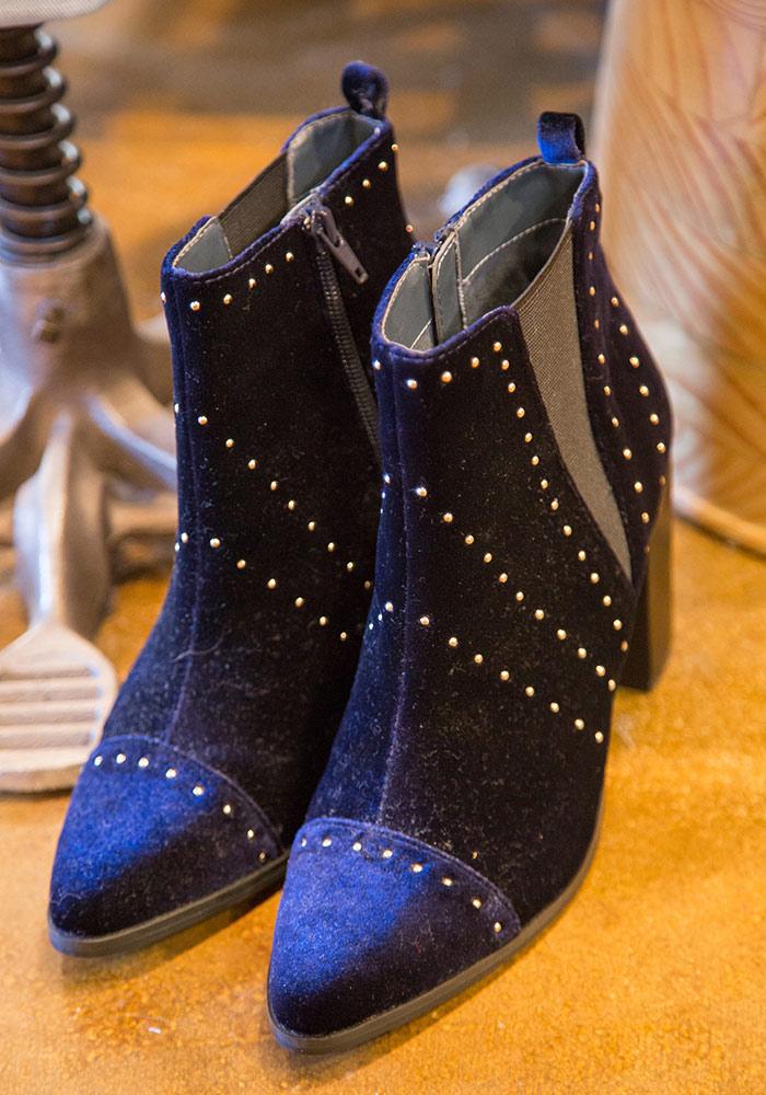 Myrtle Beach Shoe Store Womens Shoes Bed Stu